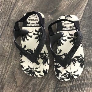 NWOT havaianas flip flops for toddlers